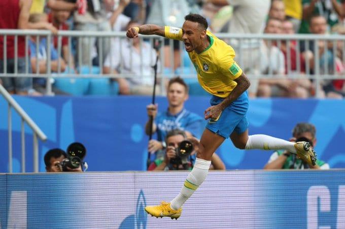 Roberto Carlos espera que Neymar supere má fase e que o Brasil vença a Copa América para homenagear o camisa 10.