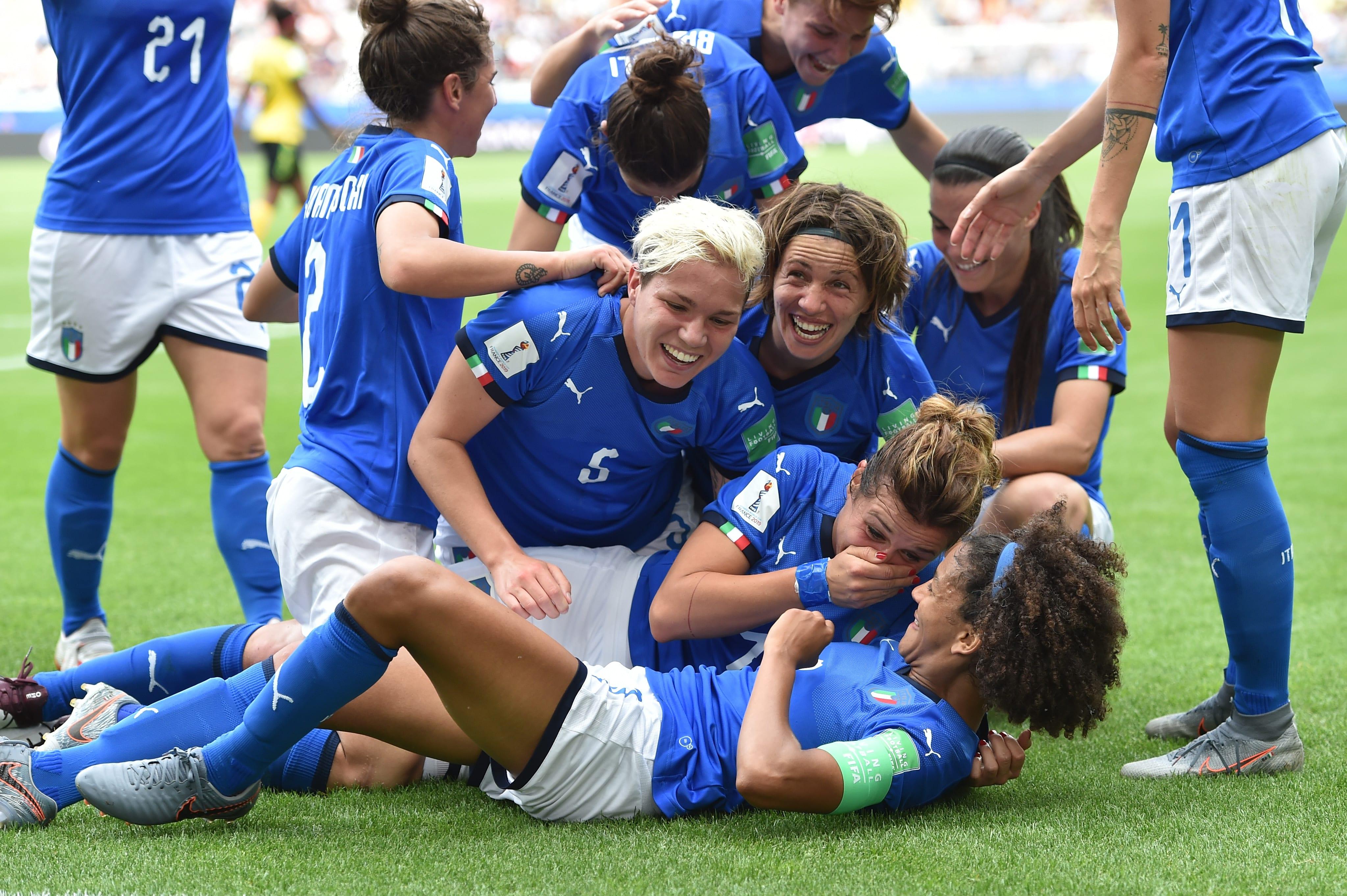 Itália goleia grupo Brasil Copa do Mundo Feminina