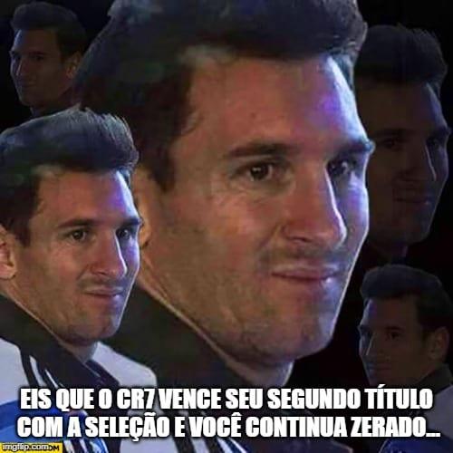 Cristiano Ronaldo conquistou mais um título com Portugal e internautas não perderam a chance de ''alfinetar'' Lionel Messi.