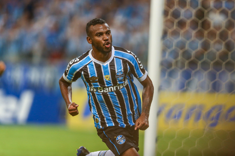 Leonardo é um dos desfalques do Grêmio na semi da Libertadores
