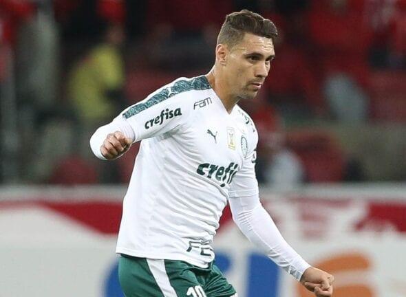 Palmeiras venda Moisés