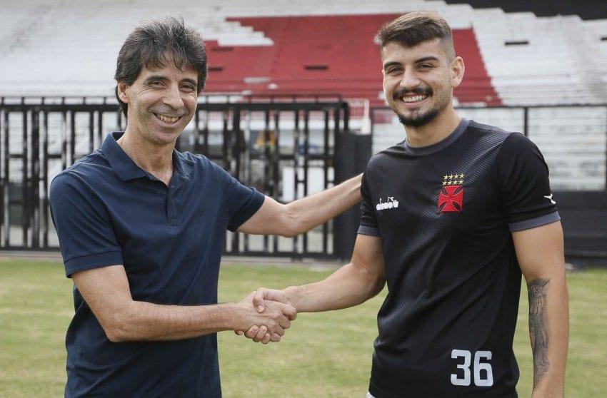 Um dos maiores zagueiros da história do Vasco, Mauro Galvão elogiou Ricardo Graça, promessa da base cruz-maltina.