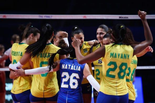 brasil-comemora-contra-polonia