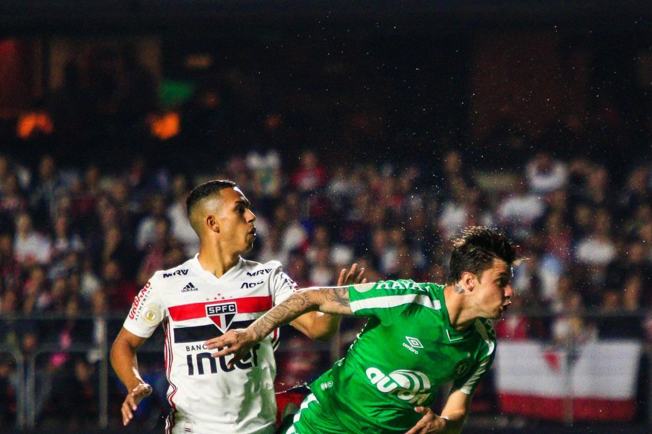 Chapecoense e São Paulo duelam no Morumbi