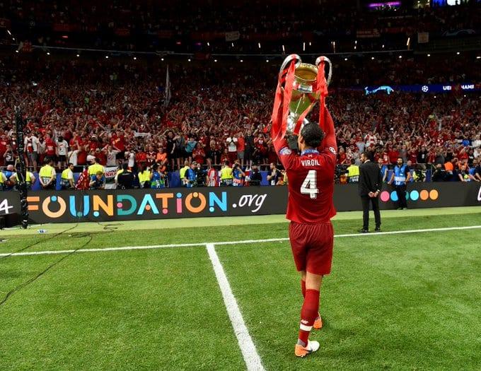 Van Dijk quer se tornar lenda do Liverpool.