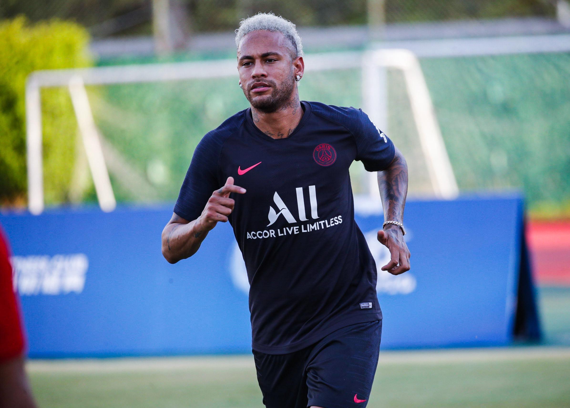 Tratamento de Neymar apresenta boa evolução, segundo o PSG.