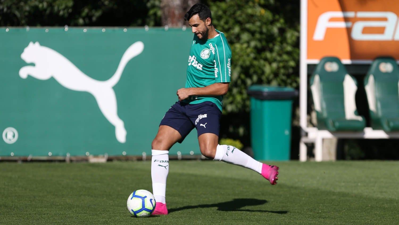Palmeiras regulariza Henrique Dourado reestrear