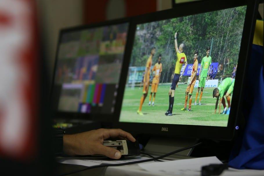 VAR árbitro de vídeo domingo (11)