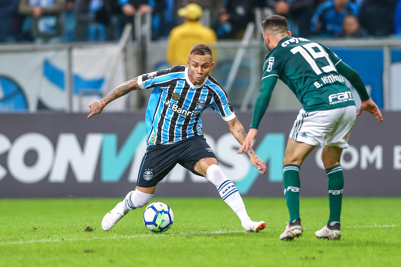 Danrlei acredita que o Grêmio possui vantagem em caso de um confronto diante do Palmeiras.