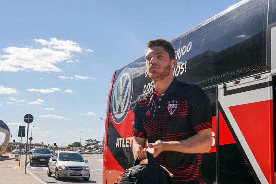 Atlético-GO chega a Londrina
