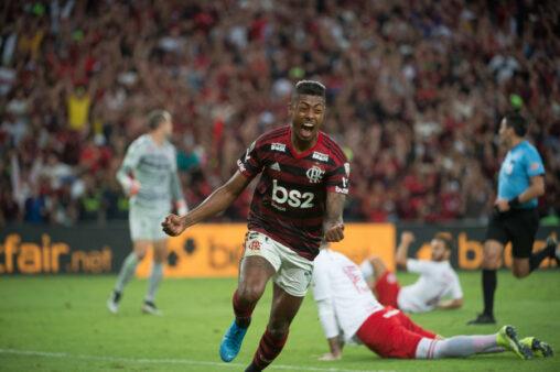 Bruno Henrique em jogo de Flamengo e Internacional na Libertadores