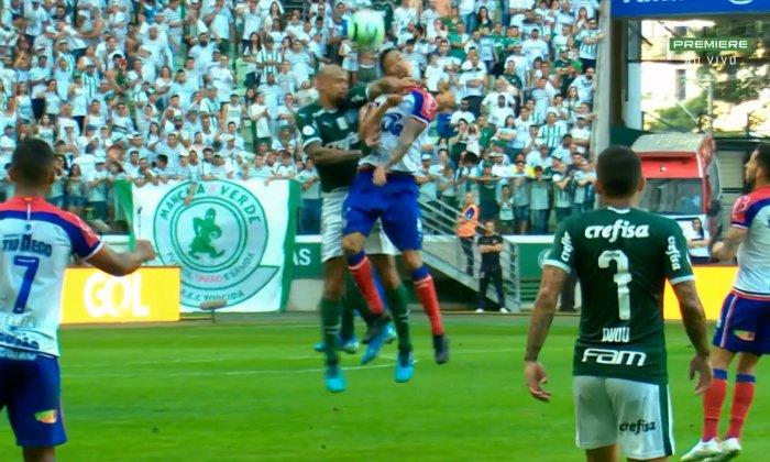 [COMENTE] Você considera justa a punição de 4 jogos ao Felipe Melo?