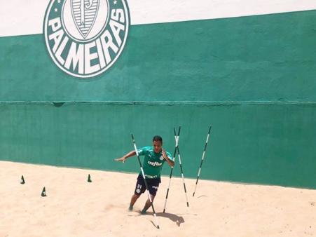 """Após saída de Vitinho, Palmeiras ainda tem mais um atleta """"encostado"""" no elenco"""