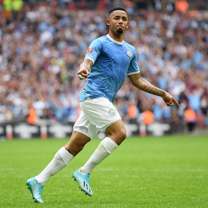 Manchester City vence Liverpool nos pênaltis e Gabriel Jesus dribla Virgil Van Dijk