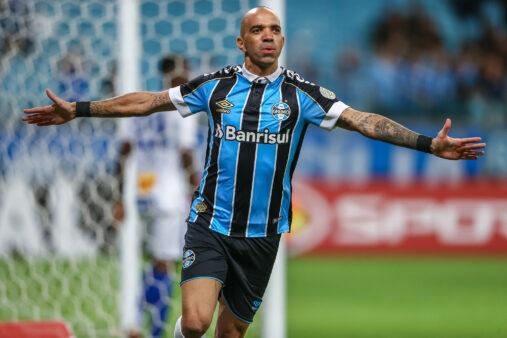 Tardelli será titular no Grêmio contra o Botafogo.