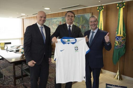 Jair Bolsonaro assinou decreto sobre a Copa do Brasil