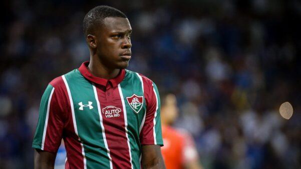 Frazan deve ser uma das novidades do Fluminense contra o Cruzeiro