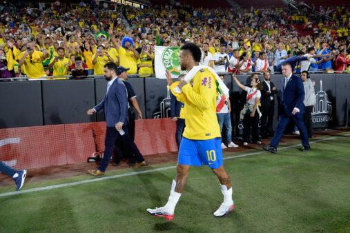 Neymar em amistoso da seleção