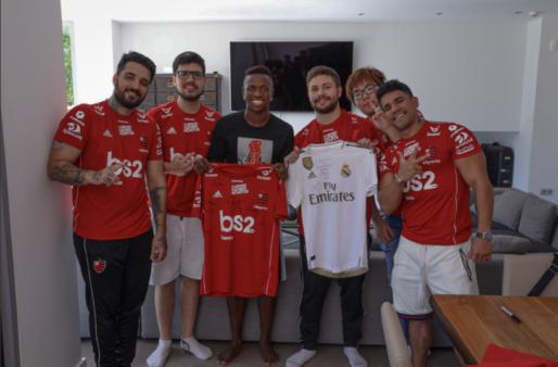A equipe do Flamengo de League of Legends está participando de um bootcampna cidade espanhola