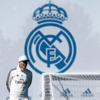 Zidane irá seguir no Real Madrid.