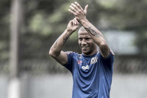 Sánchez pode ser novidade no Santos