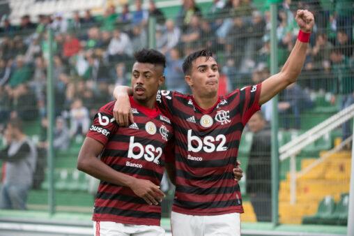 Comentarista do Sportv compara o Flamengo com Barcelona de Xavi e Iniesta
