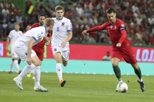 Cristiano Ronaldo celebrou atuação diante de Luxemburgo.
