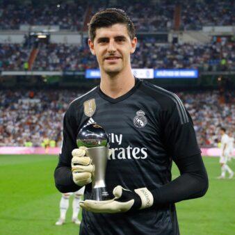 Courtois relembrou momentos de crise que viveu no Real Madrid recentemente.
