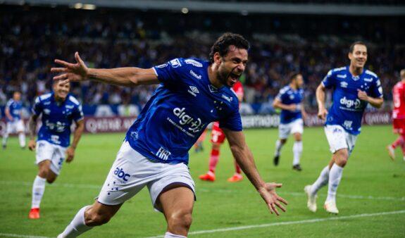 Fred do Cruzeiro pode ser boa opção no mercado da bola