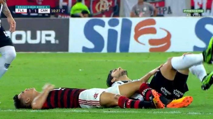 Reinier e Rabello em Flamengo x Atlético-MG