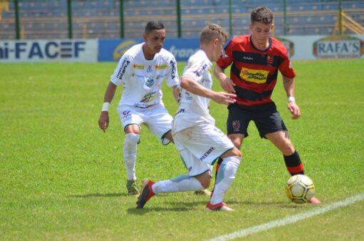 Francana x Flamengo-SP (Foto: Rodolfo César/ AA Francana)