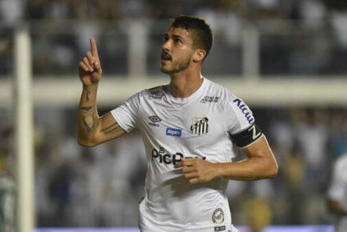Santos busca a vitória contra o Ceará