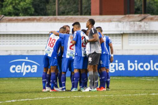 Time do Paysandu antes de jogo pela Série C