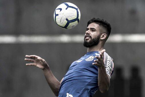 Felipe Jonatan projeta clássico contra o São Paulo