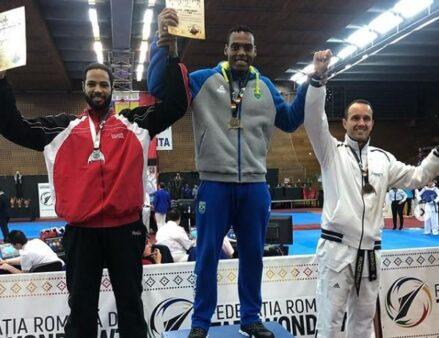 Maicon Andrade fatura o ouro no Drácula Open, na Romênia, de taekwondo