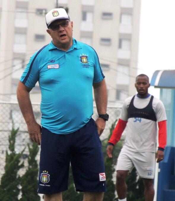 Marcelo Vilar, técnico do São Caetano (Imagem: Reprodução/ Facebook AD São Caetano)