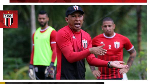 Hemerson Maria comanda treinamento no Botafogo-SP (Reprodução/ Facebook Botafogo-SP Futebol SA)