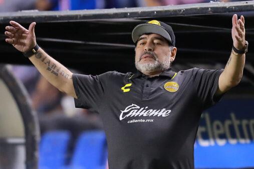 Maradona está em quarentena devido aos riscos de contrair coronavírus