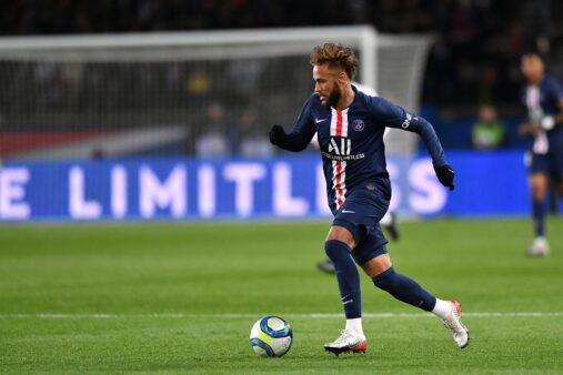 Neymar busca sucesso no PSG.
