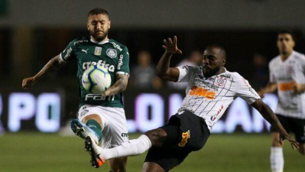 Palmeiras empatou com o Corinthians e se garantiu na Libertadores