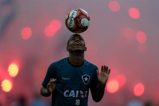Ezequiel em ação pelo Botafogo
