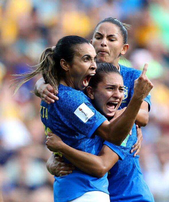 Marta e companheiras na Copa do Mundo Feminina da França