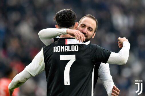 Juventus encara o Parma neste domingo (19).