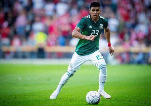 Jogador de Copa do Mundo é punido por insultos homofóbicos no México