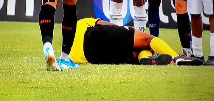 Jogador é punido por 25 anos após agredir árbitro