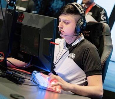 """A Red Canids Kalunga oficializou hoje a contratação de Lucas """"Destiny"""" Bullo como novo jogador de Counter-Strike: Global Offensive (CS:GO)"""
