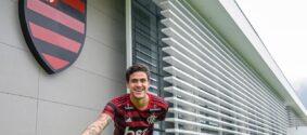 Pedro marcou presença durante atividade do Flamengo no Ninho do Urubu.