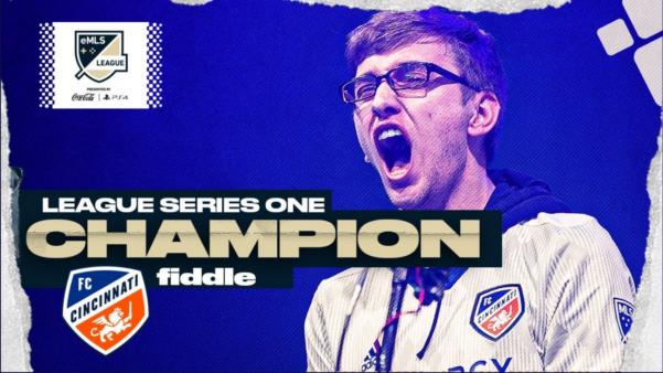 """O norte-americano Gordon Thornsberry """"Fiddle"""" foi o campeão da Serie 1 do eMLS de FIFA 20 disputado na Philadelphia. O player jogou"""