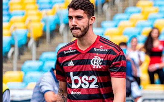 Gustavo Henrique já pode defender o Flamengo