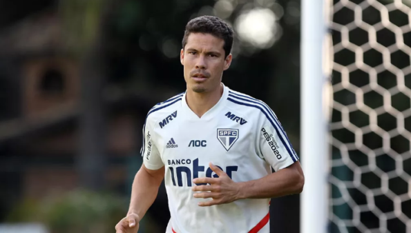 Presidente de clube nordestino abre o jogo sobre possível chegada de Hernanes